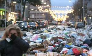 Nápoles tomada pelo lixo